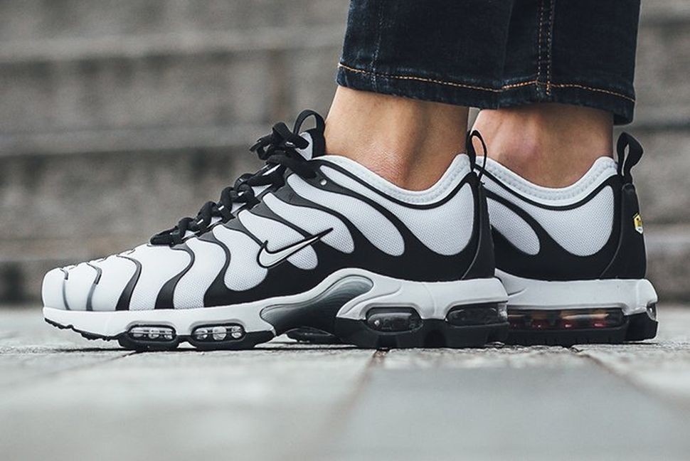 c422ef8886 Nike Air Max Plus Ultra WMNS 'Black/White' - EU Kicks: Sneaker Magazine