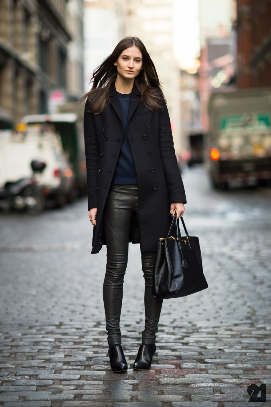 black & blue with leather. fantastic. #SuzanneDiaz #offduty in NYC. #Le21eme
