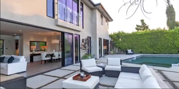 Nba Homes Russell Westbrook S La Mansion Pictures Basketball La Mansions Mansions House Styles