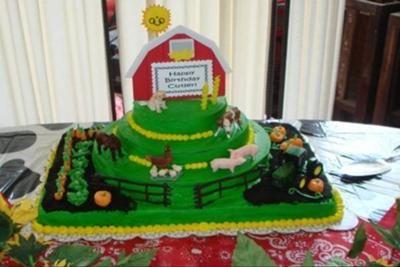 Cutlers Farm Barn John Deere Birthday Cake