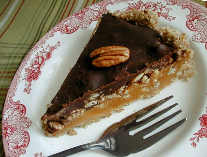 Chocolate Pecan Caramel Pie