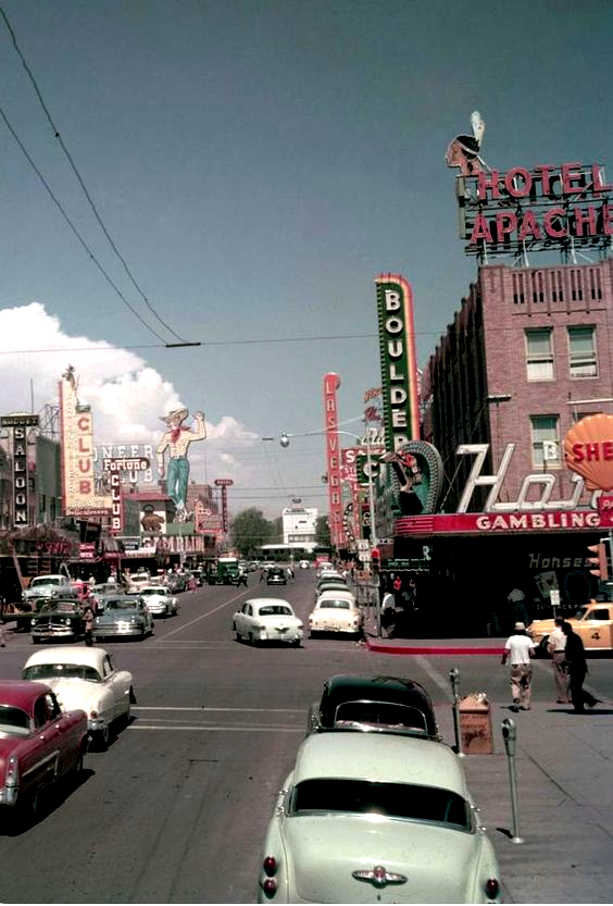 Astheticwallpaperiphonevintage In 2020 Iphone Wallpaper Vintage Downtown Las Vegas Retro Photography
