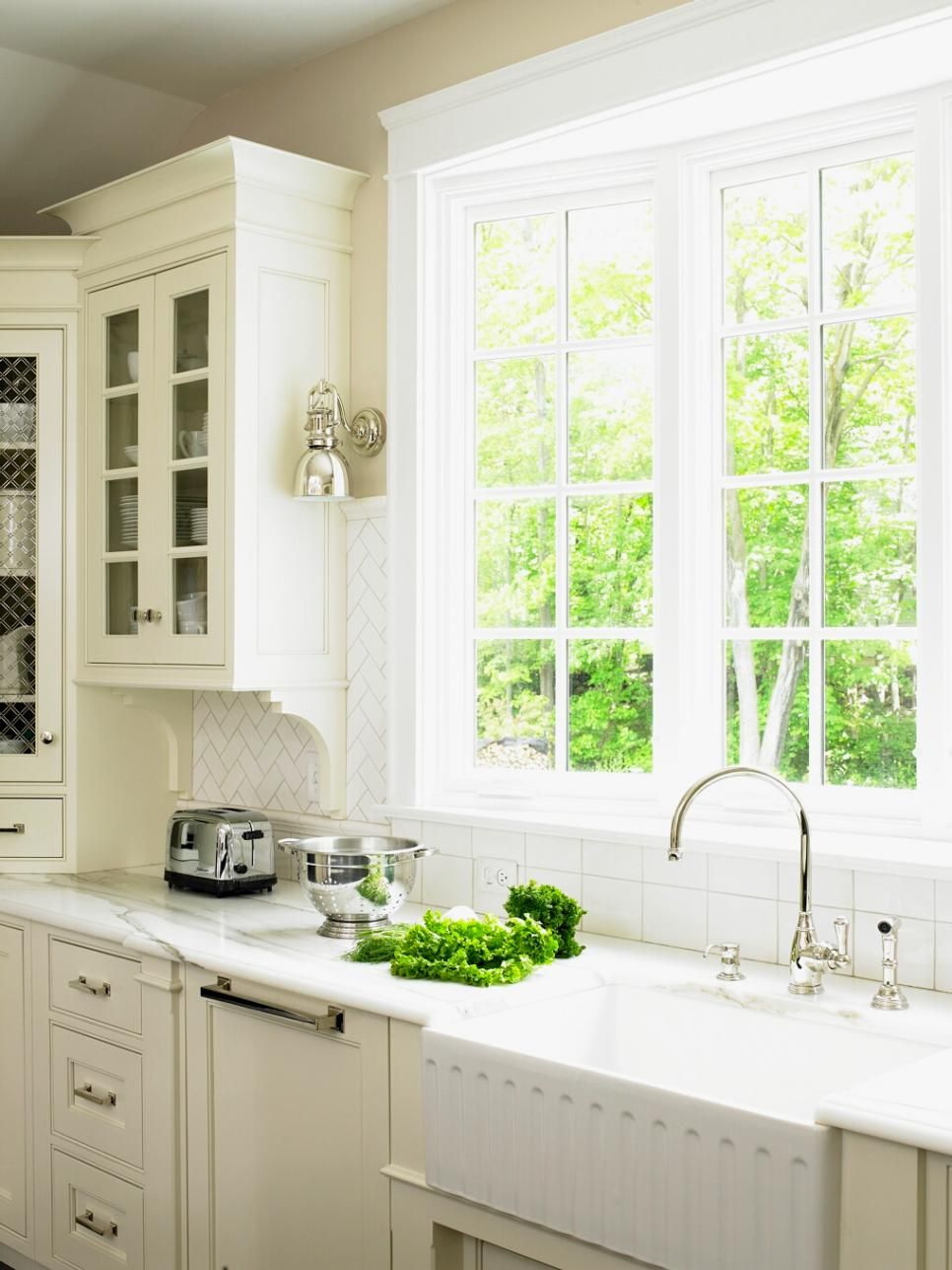 Kitchen Window Pictures: The Best Options, Styles & Ideas | Window ...
