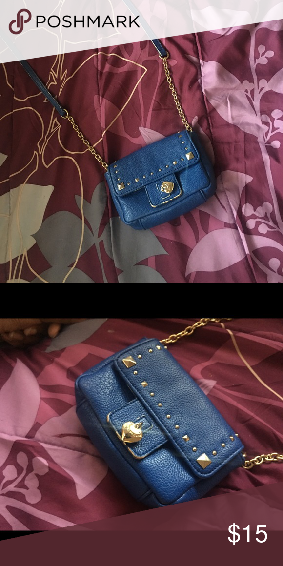 Juicy Couture Shoulder Bag Really nice for summer! Goes really well with dresses. Juicy Couture Bags Shoulder Bags