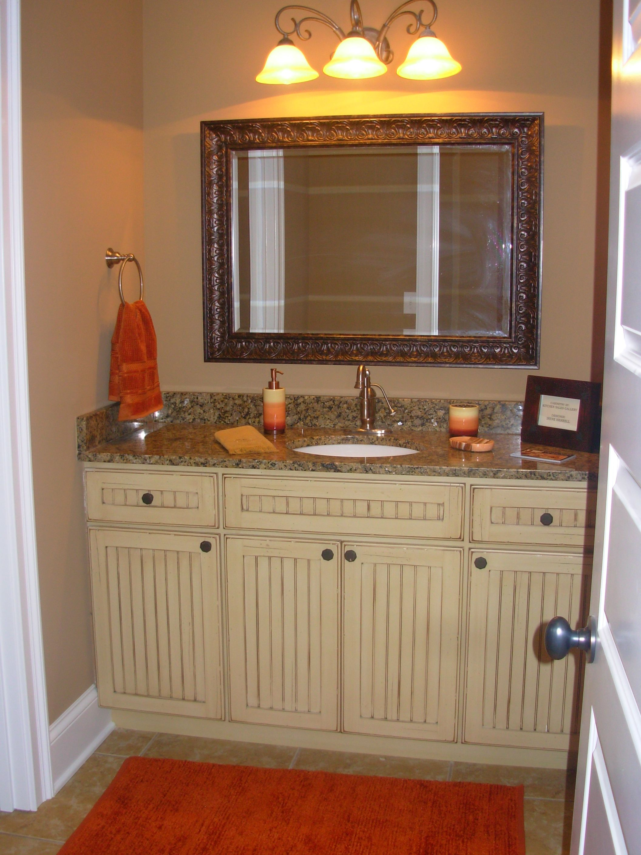 Beadboard Cabinets Luxe Homes Design Knoxville Builder Jefferson Park Knoxville With Images Beadboard Bathroom Design Kitchen Design
