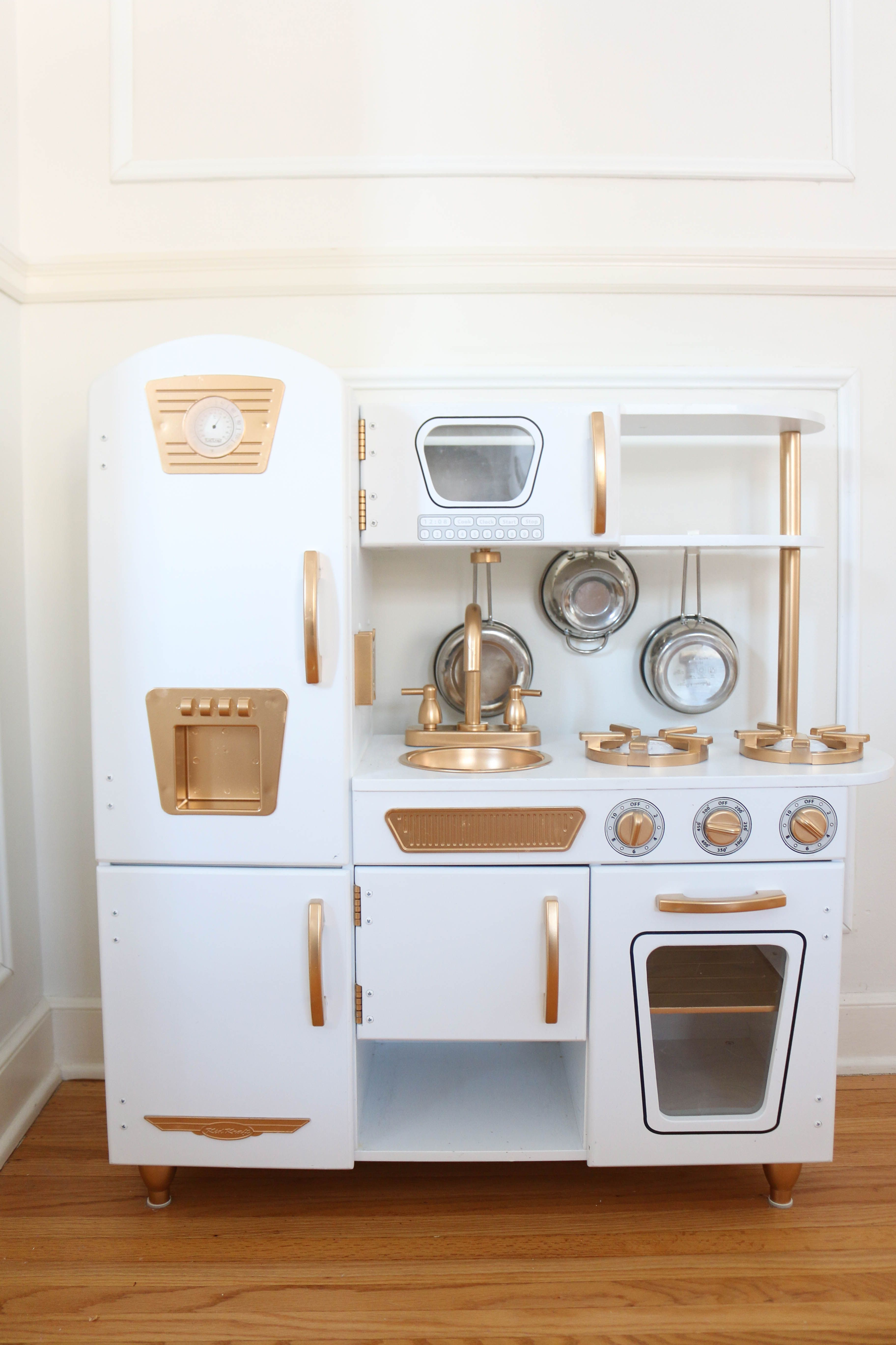 Just Like So Many We Fell For This Kidkraft Vintage Kitchen Here