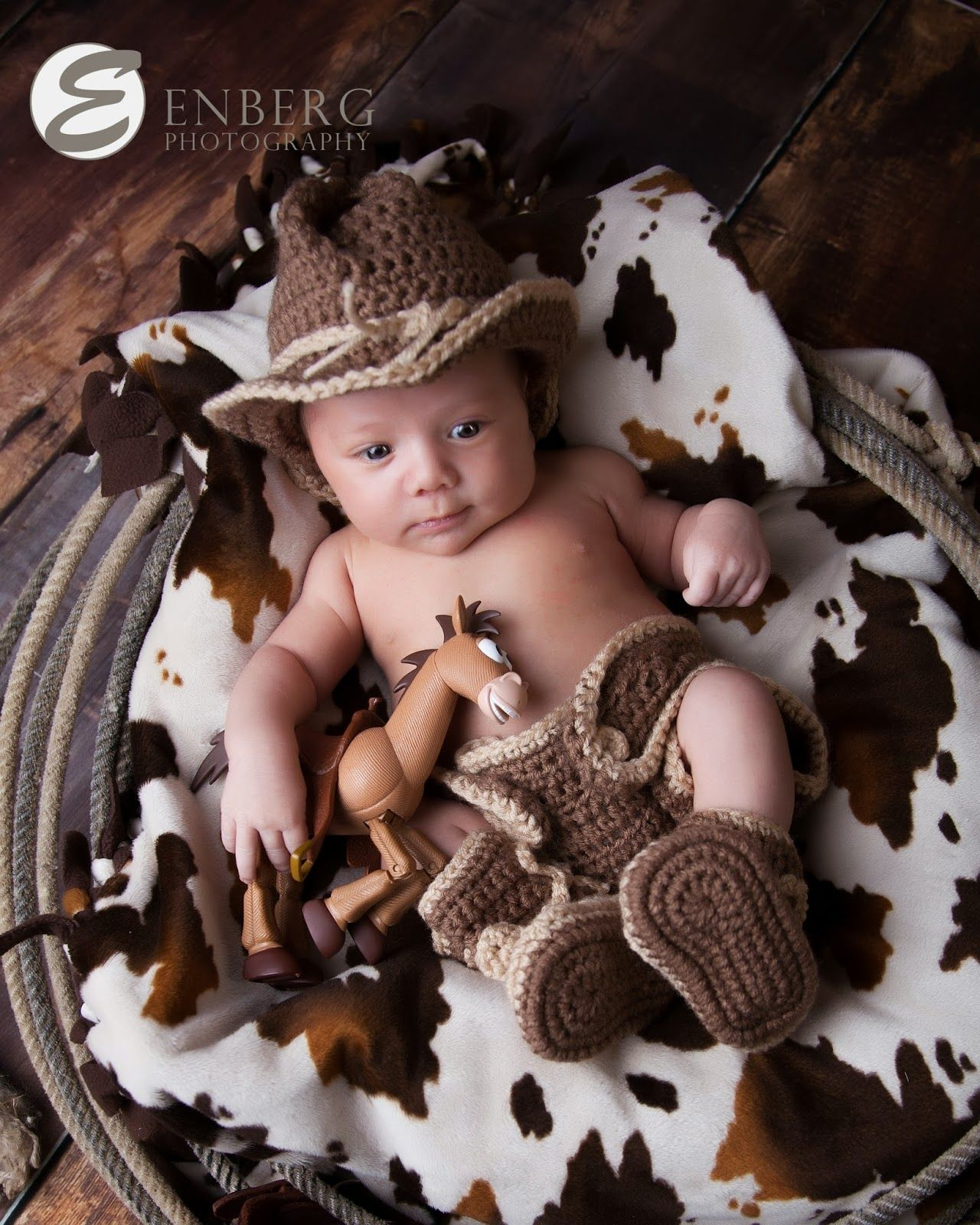 Crochet Cowboy hat, diaper cover and boots | Photography | Pinterest