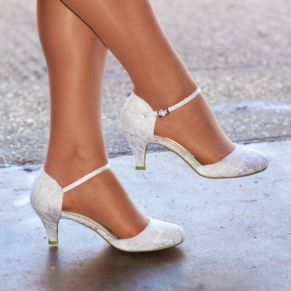 Details about WOMENS IVORY WHITE LACE LOW KITTEN HEEL FULL