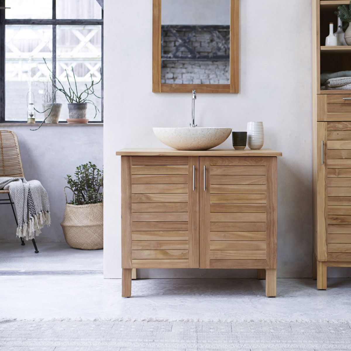 Massiver Teakholz Waschtischunterschrank Waschtisch Einfaches Warmes Design New Tikamoon In 2020 Teak Bathroom Wood Vanity Tikamoon