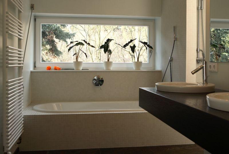 Einflügeliges Fenster im Badezimmer | Beleuchtung in 2018 ...