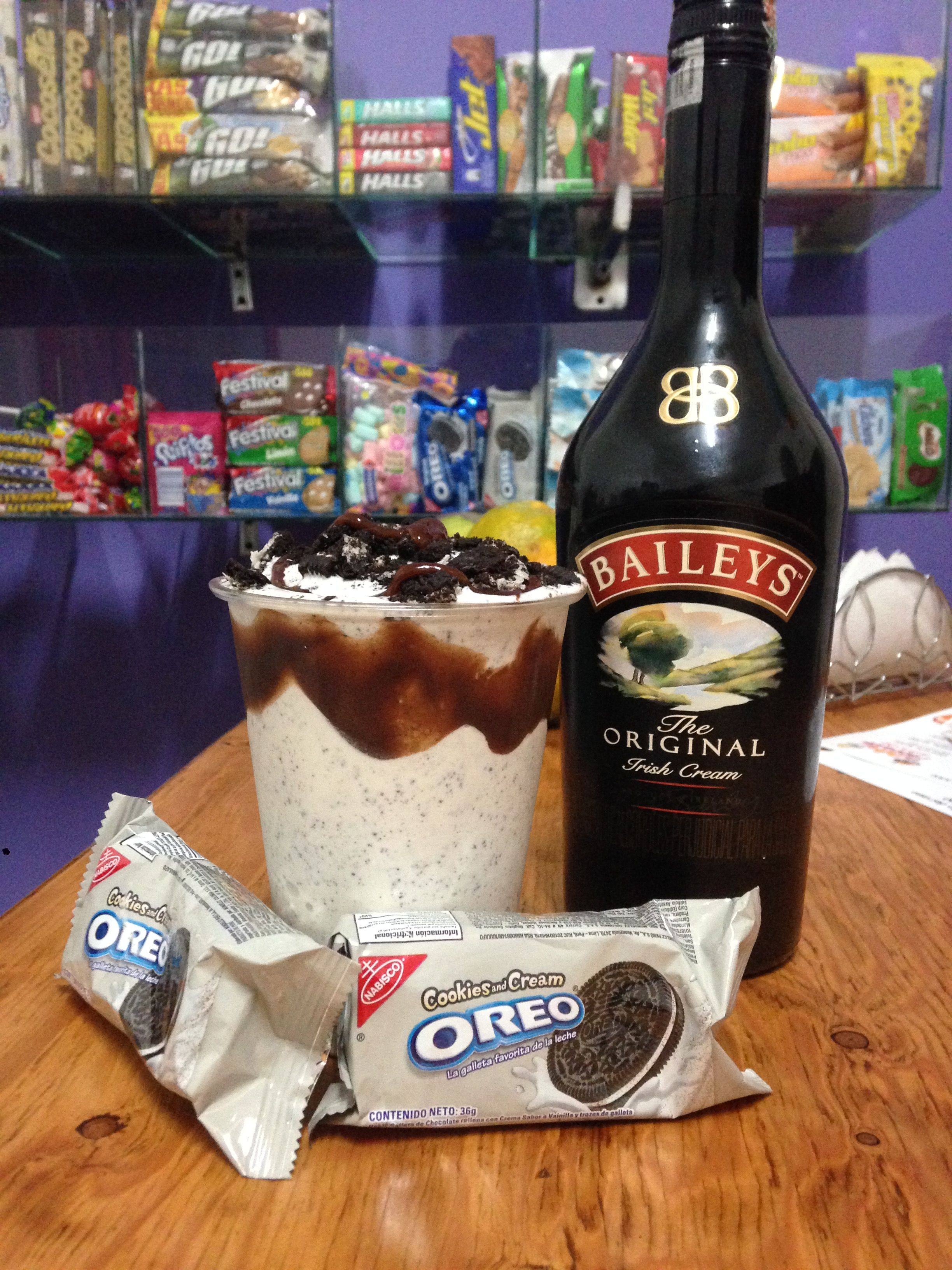 #Vainilla+ #Oreo + #Baileys + Salsa de Chocolate