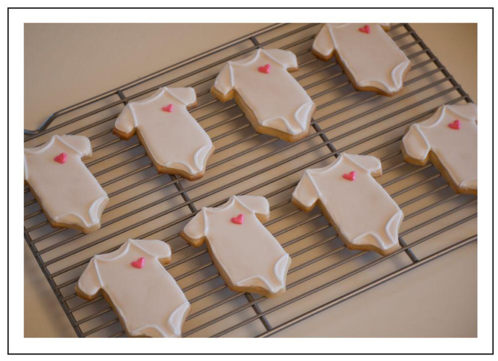 How To Decorate Onesie Sugar Cookies With Images Onesie