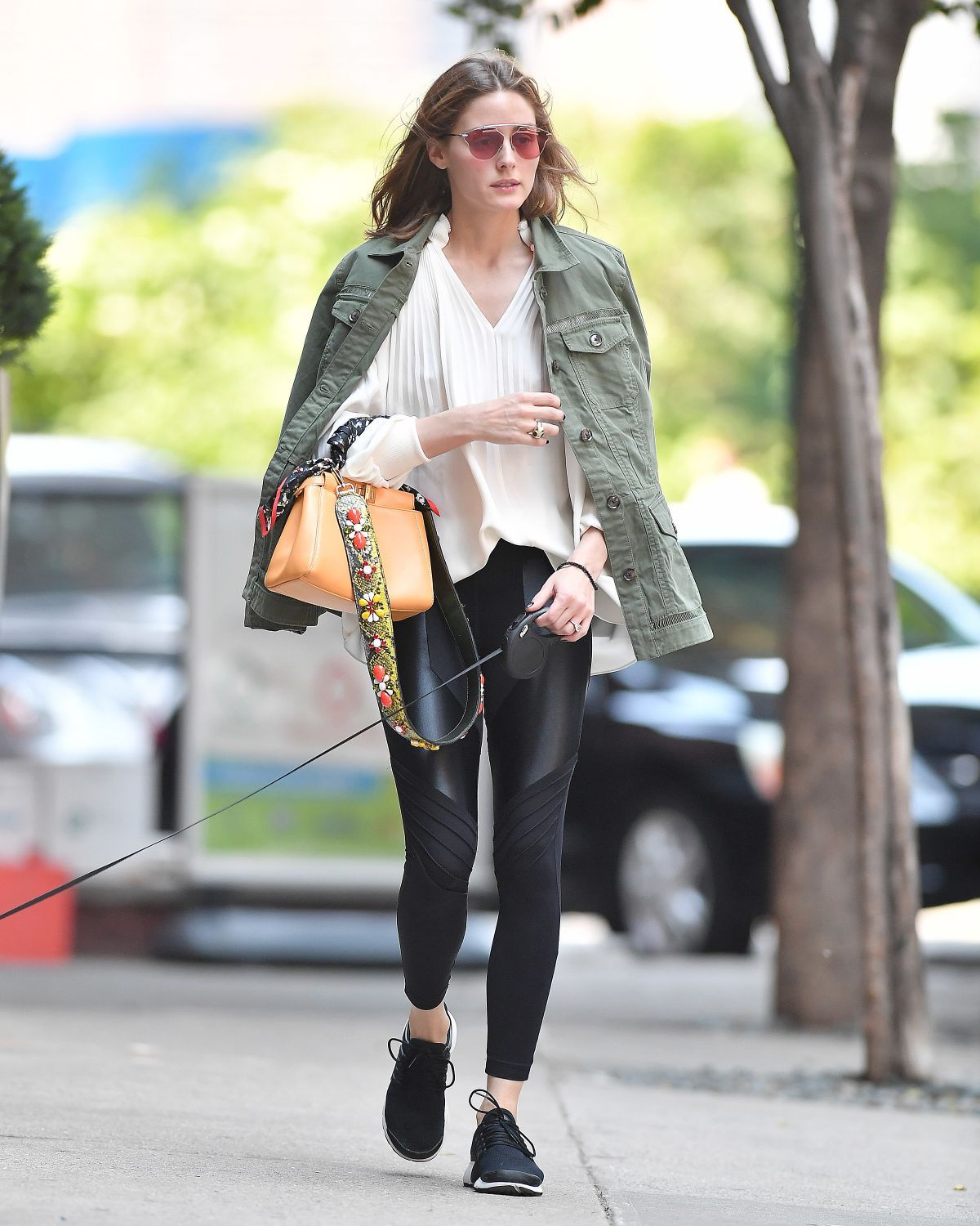 olivia palermo out with her dog in brooklyn 06/10/2017 | olivia