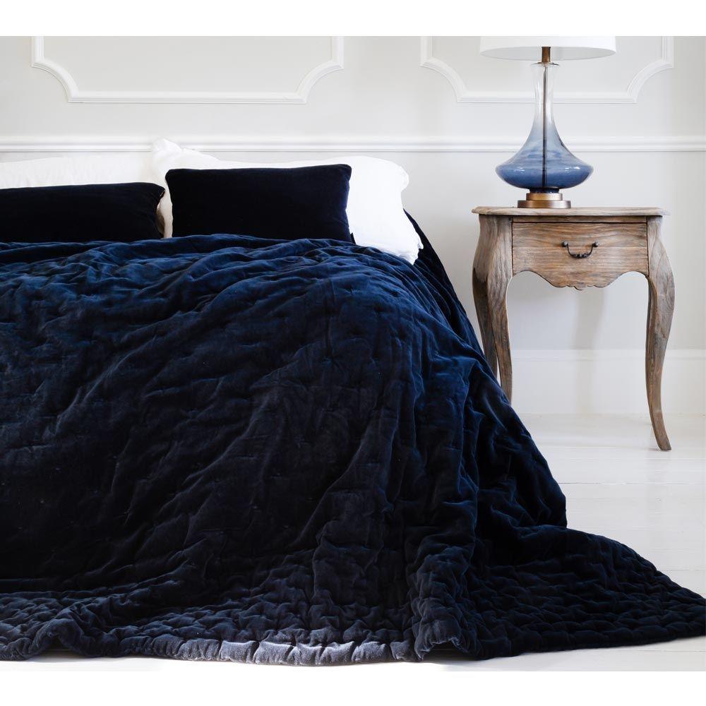 Best Plushious Velvet Navy Blue Bedspread In 2020 Blue 640 x 480