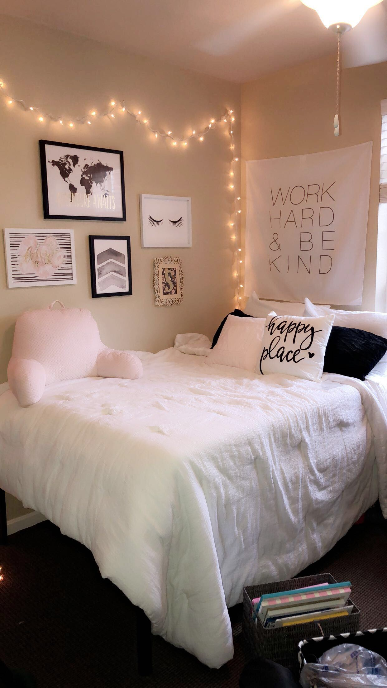 College Apartment Room Ideas Pink Hobbylobby College Apartment White Small Apartment Living Room Living Room Decor Apartment Apartment Living Room