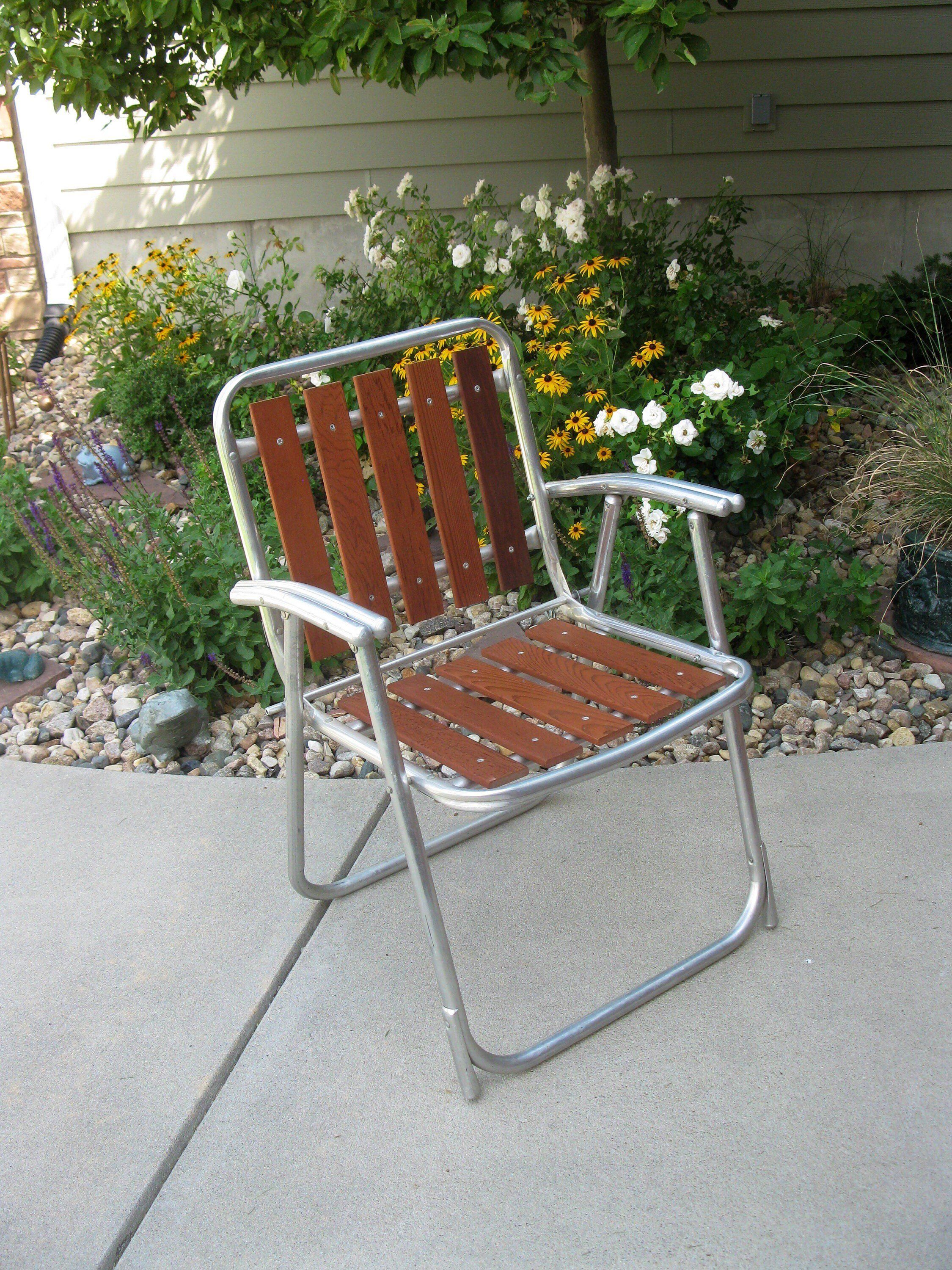 Download Wallpaper Vintage Outdoor Metal Folding Chairs