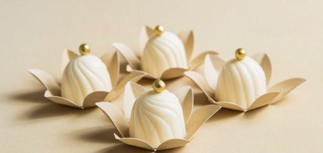 Bombom de chocolate branco com recheio de mousse de limão - Pesquisa Google