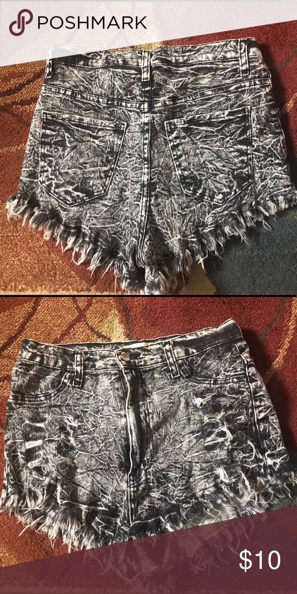 509ece9b12 Stone Wash Jean shorts. Stone wash jean shorts with high waist.Distressed.  Aphrodite