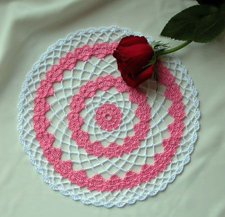 A Valentine Doily Depicting A Double Row Of Dainty Hearts Www
