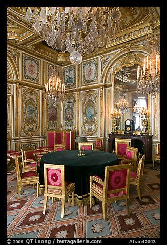 Chateau de fontainebleau interior images with meeting table inside chateau de - Table des marechaux fontainebleau ...