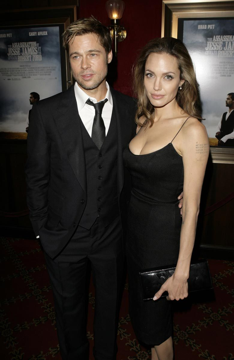Angelina jolie and brad pitt started dating