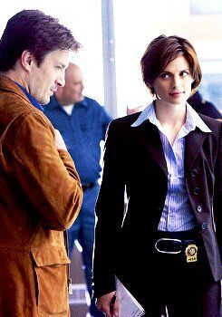 Castle Season 2 Episode 16 Watch Online Season 1 Episode 1 Flowers For Your Grave With Images