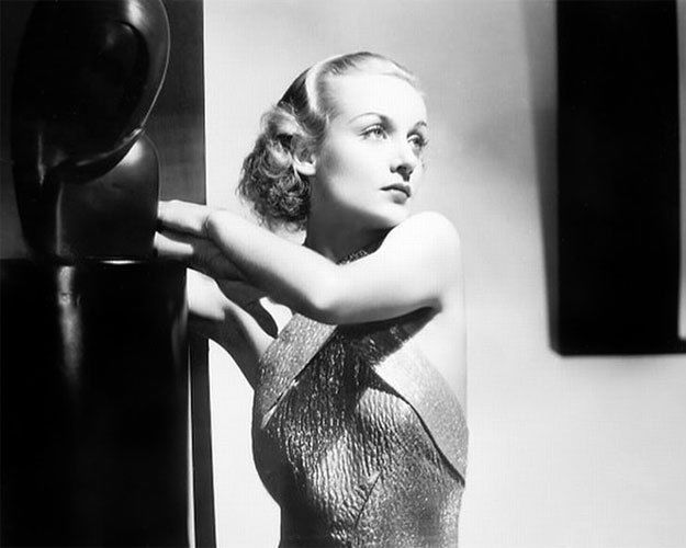 Glossy 8X10 #31 of Legendary actress Carole Lombard