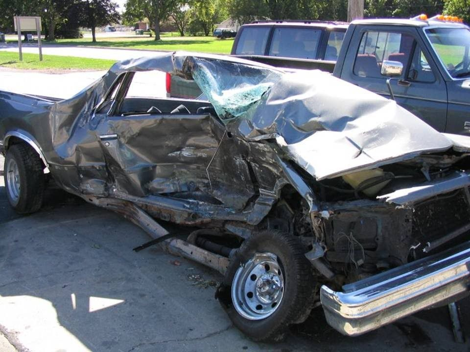 Sell My Damaged Car For Cash Auto Repair Hit And Run Car