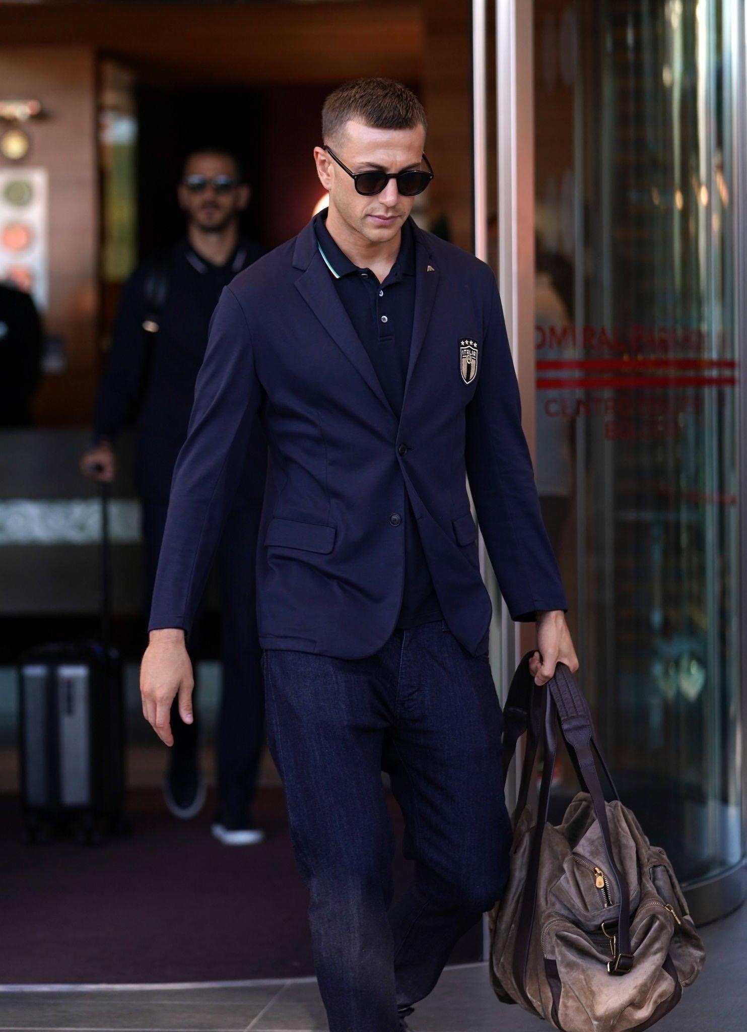 Vestito Elegante Juventus.Federico Bernardeschi 04 09 19 Juventus Azzurri Calcio Fede