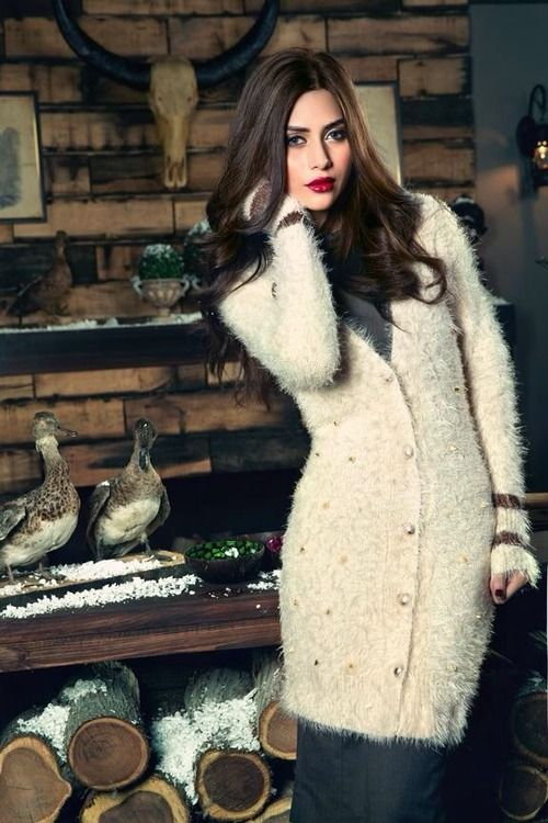 Pakistani hot model Huma Khan
