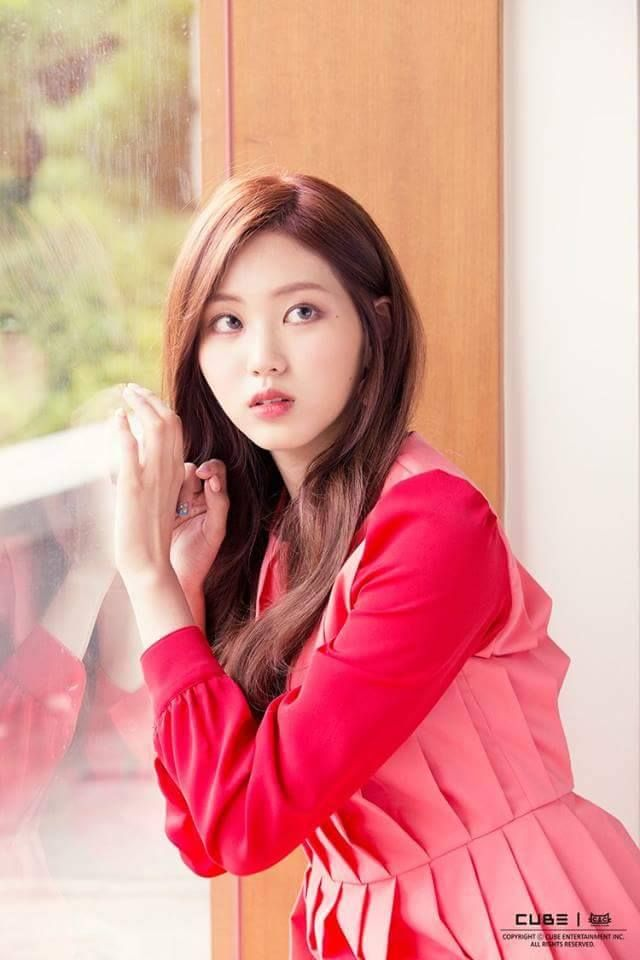Kwon Eunbin Of South Korea K Pop Band Clc Crystal Clear Who Debuted In 2015 And So Should Have A Few More Years Left In Them Yet Clc Kpop Girls Kpop