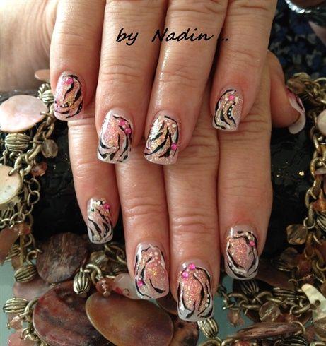 Tiger Design By Nadinails Nail Art Gallery Nailartgalleryilsmag