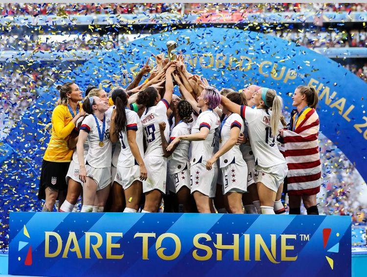 Pin By Chuck Solomon On Usa Women S National Soccer Team Fifa Women S World Cup Usa Soccer Women Uswnt