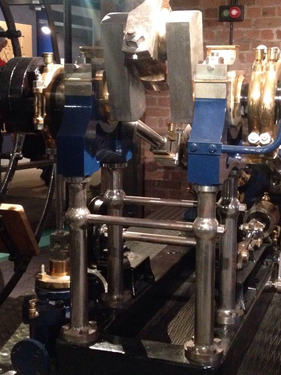 Titanic Engine Room Underwater: Titanic Ship Engine At The Museum In Albert Dock