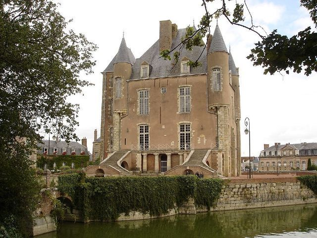 Château de Bellegarde ~ Centre ~ France