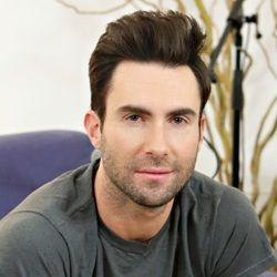 Adam Levine Biography Age Wife Children Family Wiki More Face Shapes Oval Face Haircuts Oval Face Men