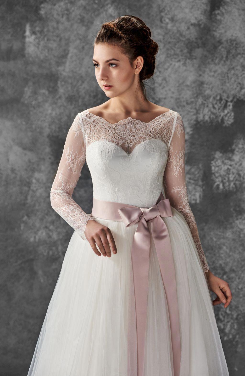 Alia bastamam wedding dress  Wedding lace dress Boho wedding dress Rustic wedding dress by