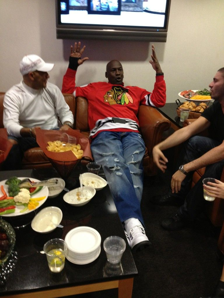 7680ac7e587 Michael Jordan Goes Ripped Jeans and Jersey at Blackhawks Game ...