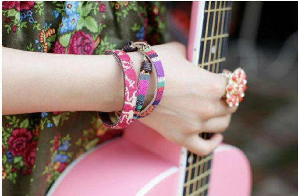 stylish dpz girly pics girls dpz profile pics guitar music guitar profile photography guitars profile pictures