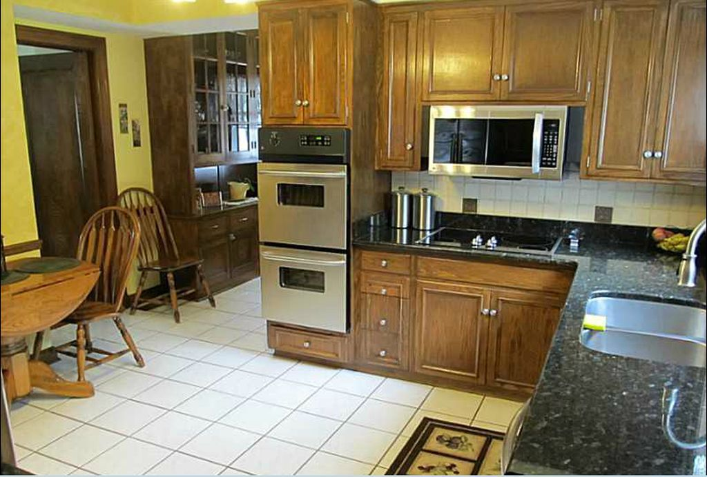 515 Hilltop Rd, Erie, PA 16509 | MLS #51553 - Zillow ...