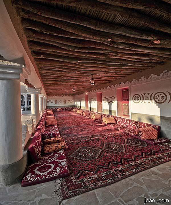 ديكورات مجالس تراثيه قديمه بتصاميم وبناء عصري Luxury House Interior Design Luxury Homes Interior Home Room Design