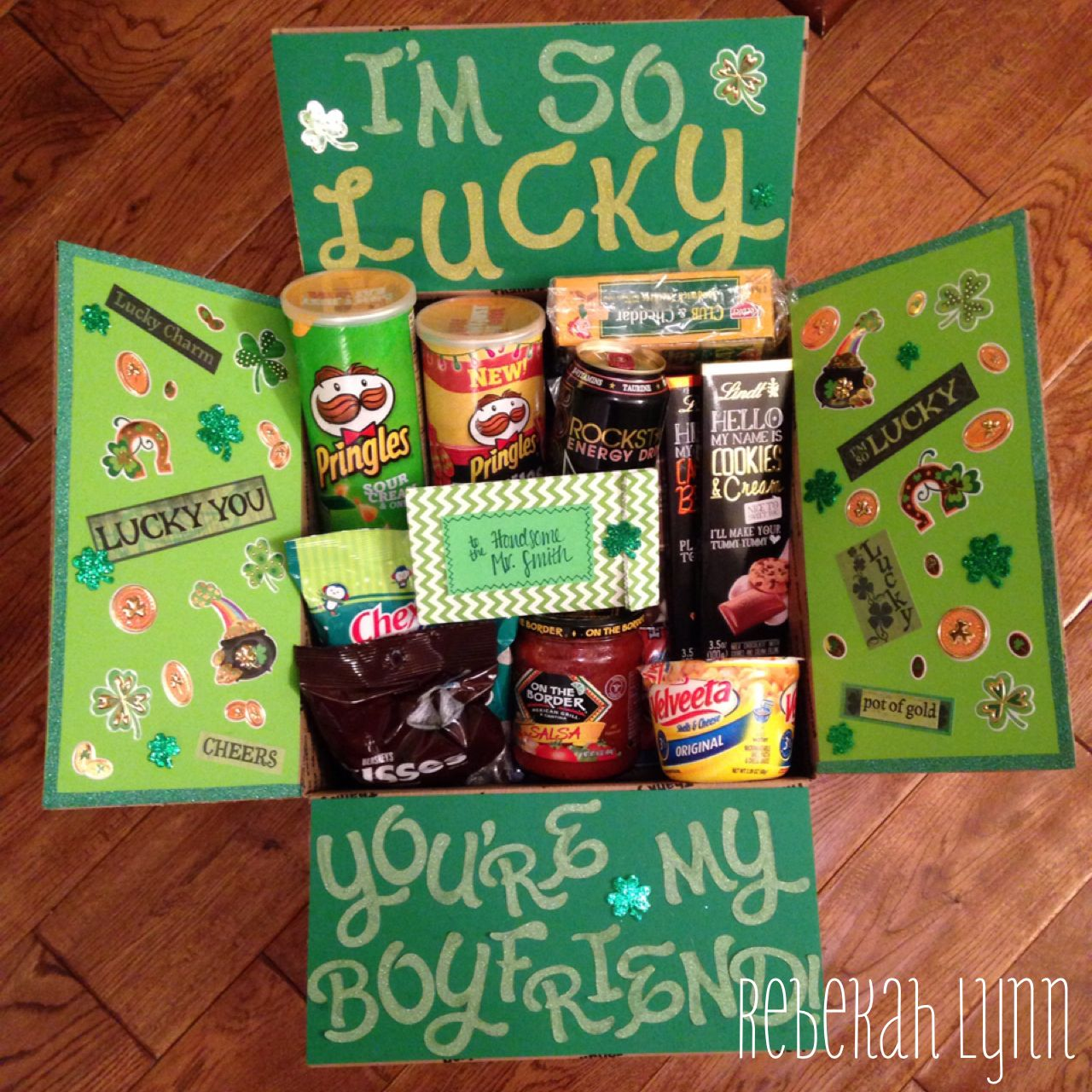 Happy St. Patricks Day deployment care package for my soldier boyfriend #boyfriendgiftbasket