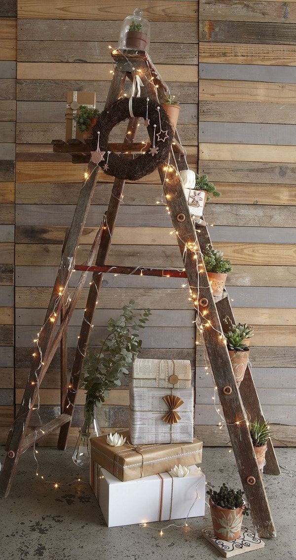 Ideas para decorar la navidad con escaleras de mano - Decoracion de escaleras ...