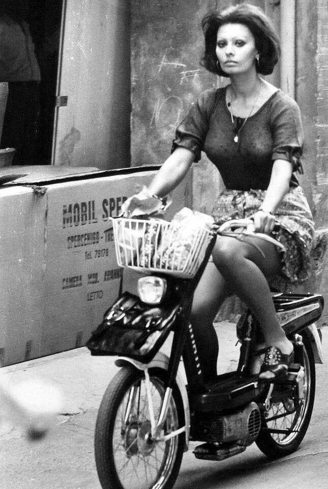 Sophia Loren on moped  7b27a3660f