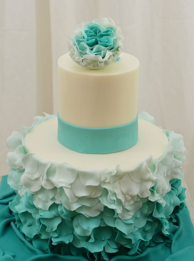 Round Wedding Cakes love the light feather fabric feel of this cake the colors are also pretty for this time of year!