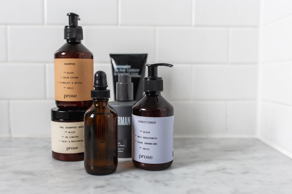 DIY Hair Oil for Growth - The Fox & She | Lifestyle Blog #essentialoils #cleanbeauty #haircare