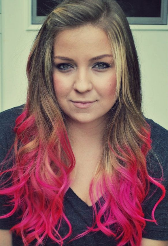 Dip-dyed hair! I wish I were young enough to pull this off ... I ...