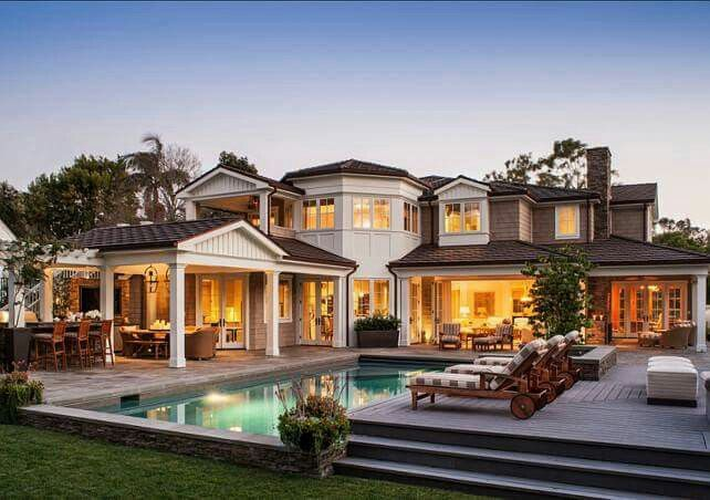 Exquisite Classic Mediterranean Residence