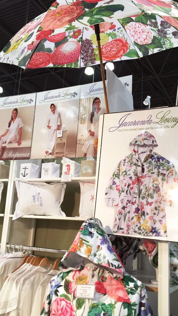 Botanical garden raincoat and umbrella - the must-have items for Spring!