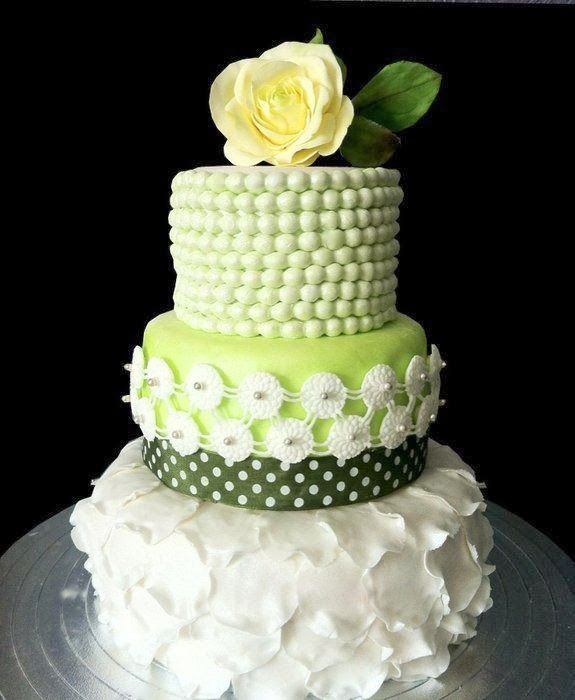 Garden wedding | Amazing Cakes & Cupcakes | Pinterest | Wedding ...